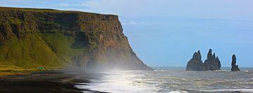 Het zwarte strand bij Reynisfjara, IJsland van Henk Meijer Photography