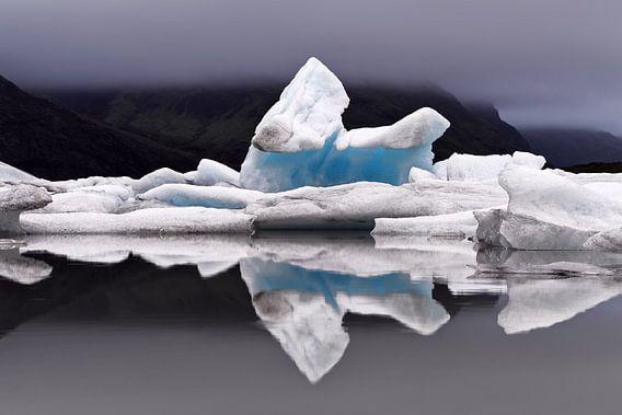 Eisformation mit Spiegelung