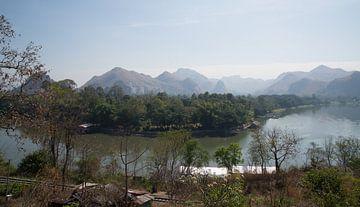 landschap rivier   van Michael De Hoogh