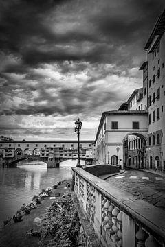 FLORENCE Ponte Vecchio | Monochrome sur Melanie Viola