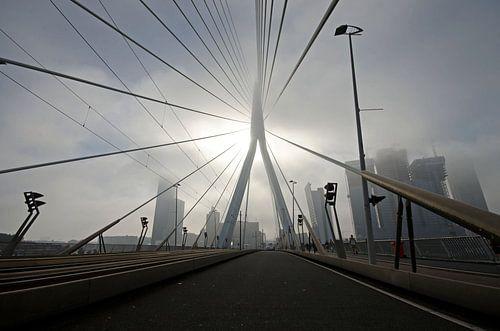 Fogged up Erasmusbridge von Remco Swiers