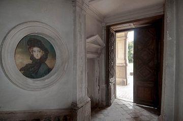 Buitendeur kasteel von Fatima Maria Mernisi