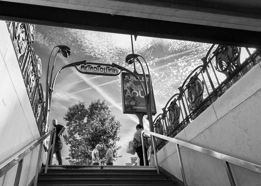 Straatscene Parijs Metropolitain van Jean-Paul Wagemakers