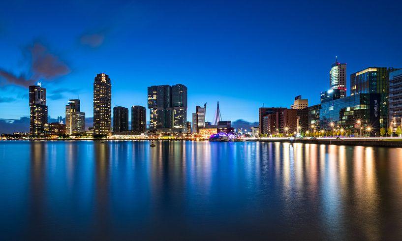 Het blauwe uur | Rijnhaven | Rotterdam van Rob de Voogd / zzapback