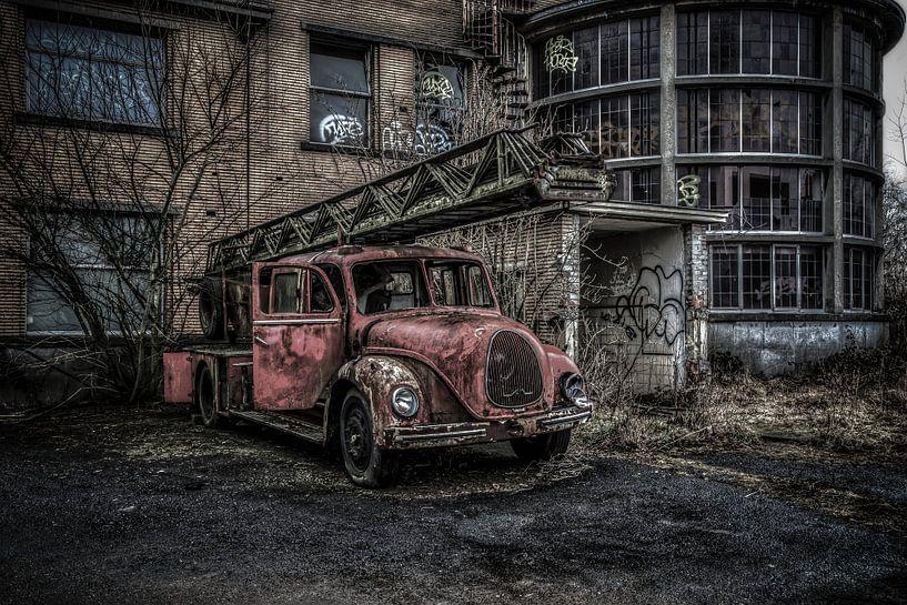 Old fire truck van Dutch Zappie