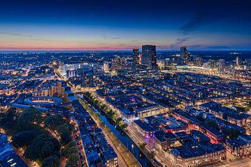 skyline van Den Haag kort na zonsondergang van gaps photography