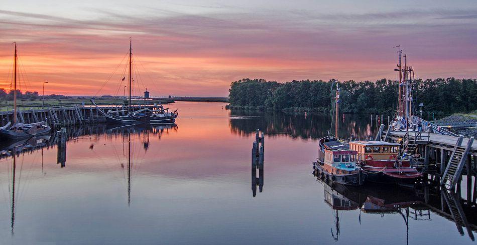 Zonsondergang bij het Lauwersmeer van Greet ten Have-Bloem