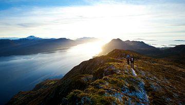 Berg met zon in noorwegen van Mooie Schilderijen
