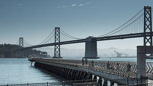 San Francisco Oakland Bay Bridge, de andere brug.. van Ronald Scherpenisse