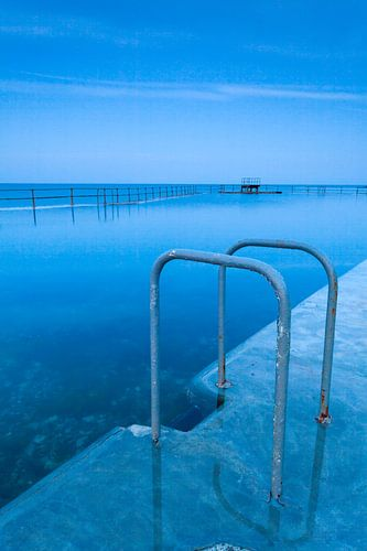Zwemtrap bij een zeezwembad in Guernsey van