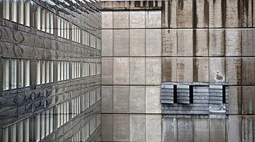 lijnenspel in kantoorgebouw van Bert Bouwmeester