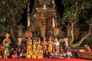 Ramayana Ballet in Ubud Palace, Bali, Indonesië van Peter Schickert