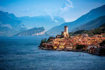 Italiaans dorpje aan de rand van het Gardameer van Alexander Mol