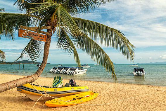 Tropical beach on Koh Samui van Ilya Korzelius