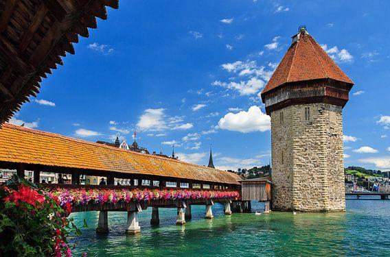 Kapelbrug Luzern van Dennis van de Water