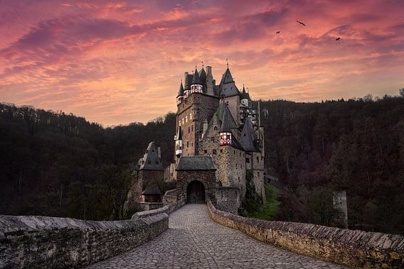 Burg Eltz bij zonsopkomst