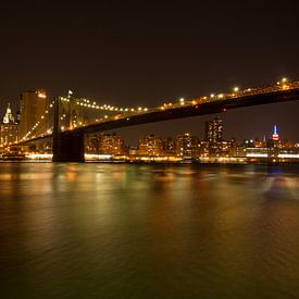 Brooklyn Bridge New York by night van Blijvanreizen.nl Webshop