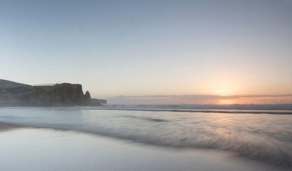 zonsondergang strand in Portugal van Vandain Fotografie