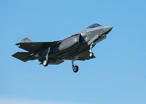 F-35 (f-009 en f-010) Vliegbasis Leeuwarden) van Edwin Kooren