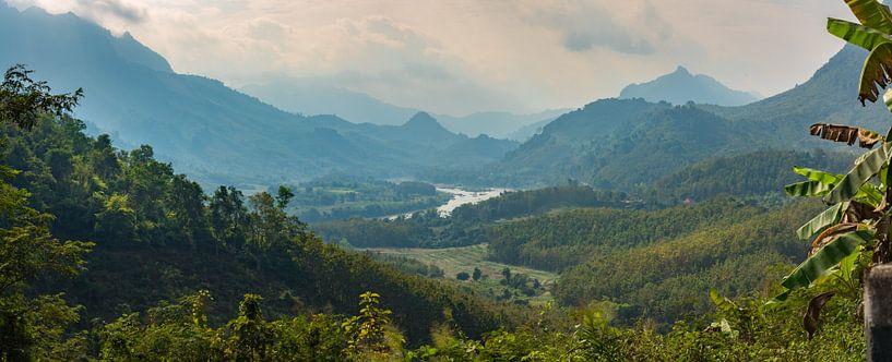 Schitterend landschap in Noord Laos van Rietje Bulthuis