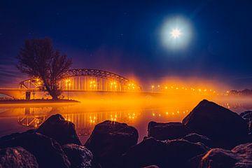 IJsselbrug by Night van TZPhotography