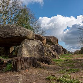Hunebed D50 architectuur van 5000 jaar geleden van Gerry van Roosmalen