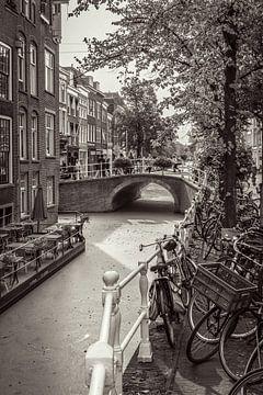 Delft , brug nabij Wijnhaven sur Marja van den Hurk
