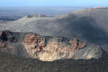 Kraters, Timanfaya, Lanzarote van Inge Hogenbijl