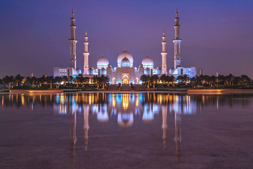 Sheikh Zayed Mosque at Night van Bart Hendrix