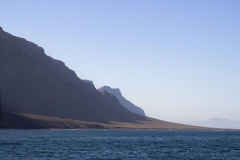 Kliffen van Lanzarote van Tomas Grootveld