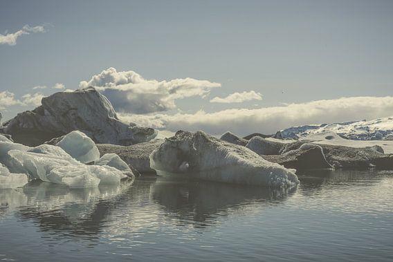 Icebergs V