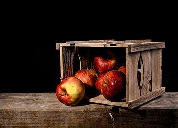Schachtel mit Äpfeln von Rien Buiter
