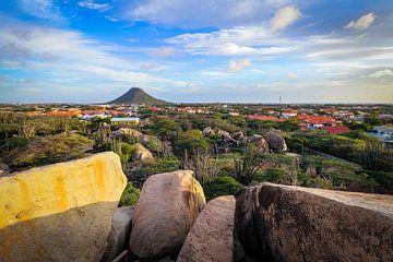 Belle vue du Haystack à Aruba, depuis la formation rocheuse de Casibari.
