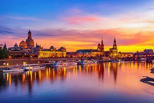 Scène de la vieille ville de Dresde en soirée
