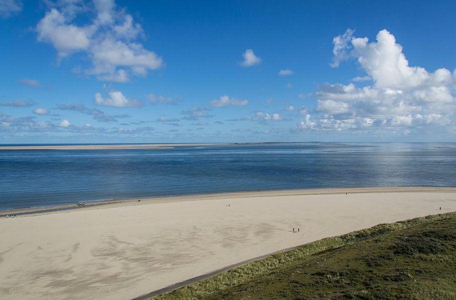 Uitzicht vanaf Texel naar Vlieland van Marian Sintemaartensdijk