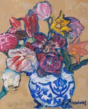 Delfter blaue Tulpenvase mit Tulpen Nr. 4 von artbykoelemij