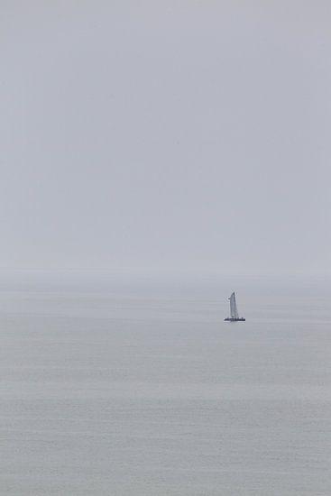 Boot in de Mist, Algarve, Portugal van Paul Teixeira