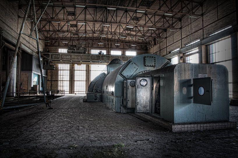 Verlaten energiecentrale 10 van Eus Driessen