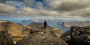 Uitzcht vanaf de top van Slætteratindur von Nando Harmsen