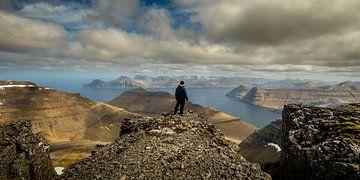 Uitzcht vanaf de top van Slætteratindur van Nando Harmsen