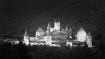 Kasteel Bourscheid in zwart-wit