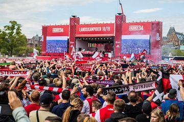 Huldiging voetbalclub Ajax in Amsterdam van Marcel Krijgsman
