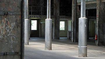 l'usine vide sur Danny van Zwam
