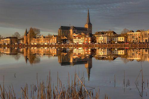 Stadsfront van Kampen met Bovenkerk.