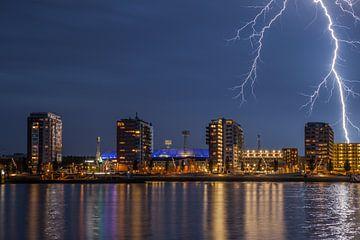 Feyenoord stadion met onweer 4 von John Ouwens