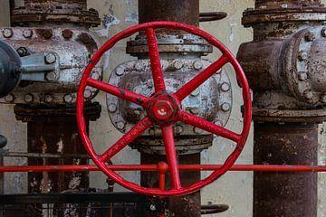 Rood draaiwiel  van ijzer van Klaartje Majoor