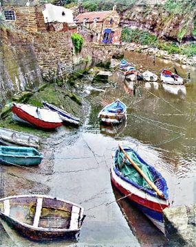 Kleine Boote bei Staithes, England, Großbritannien