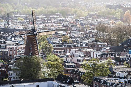 Uitzicht op de Molen aan de Adelaarstraat in Utrecht.