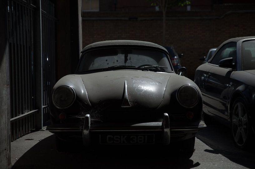 verlorene Liebe    (verlassener Porsche 356) von Maarten Visser
