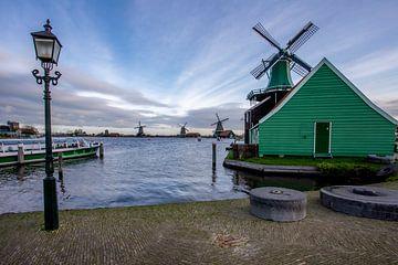 Zaanse Schans - Mühlen - Kreuzfahrtboot von Fotografie Ploeg